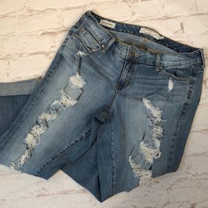 Torrid Denim cropped jeans. Distressed. Size 12